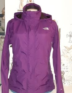 North Face womens Hyvent jacket